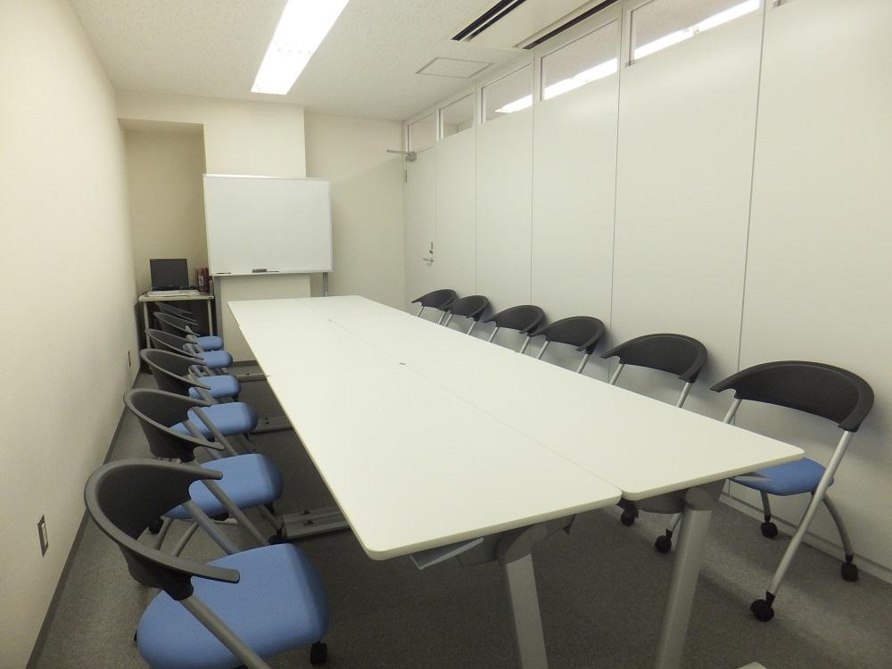 心のゆとりを生む、共有スペースのあるオフィス